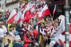 29-1-Polacy-przemarsz-fot-Marian-Dzwinel