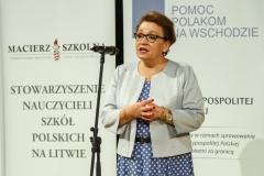 0013-wyprawki-Zalewska-dzieci-plecaki-fot-Marian-Paluszkiewicz