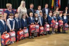 0025-wyprawki-dzieci-plecaki-fot-Marian-Paluszkiewicz