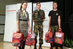 0032-wyprawki-dzieci-plecaki-fot-Marian-Paluszkiewicz