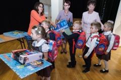0039-wyprawki-dzieci-plecaki-fot-Marian-Paluszkiewicz