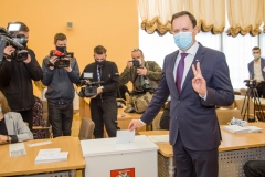 008-wybory-glosowanie-tomaszewski-fot.M.Paszkowska