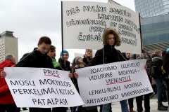 20-pikieta-oswiata-samorzad-fot.Marian-Paluszkiewicz
